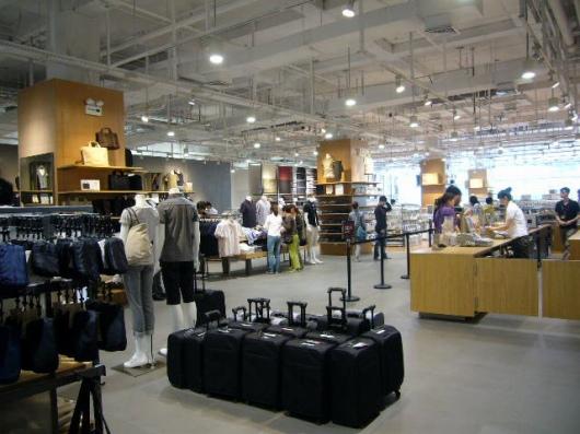 青島の無印良品の店内は、やさしい感じで気持ちいい。
