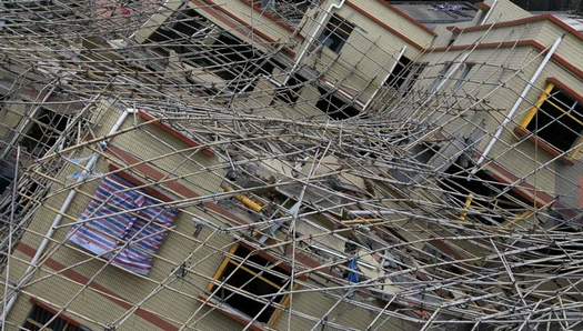 倒壊した珠海のマンション。違法建築疑惑