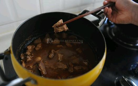 中国では豚肉を牛肉に変える添加剤がヒット中。